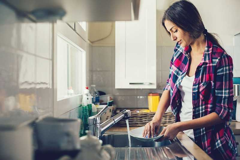 How to clean pots and pans to look like new